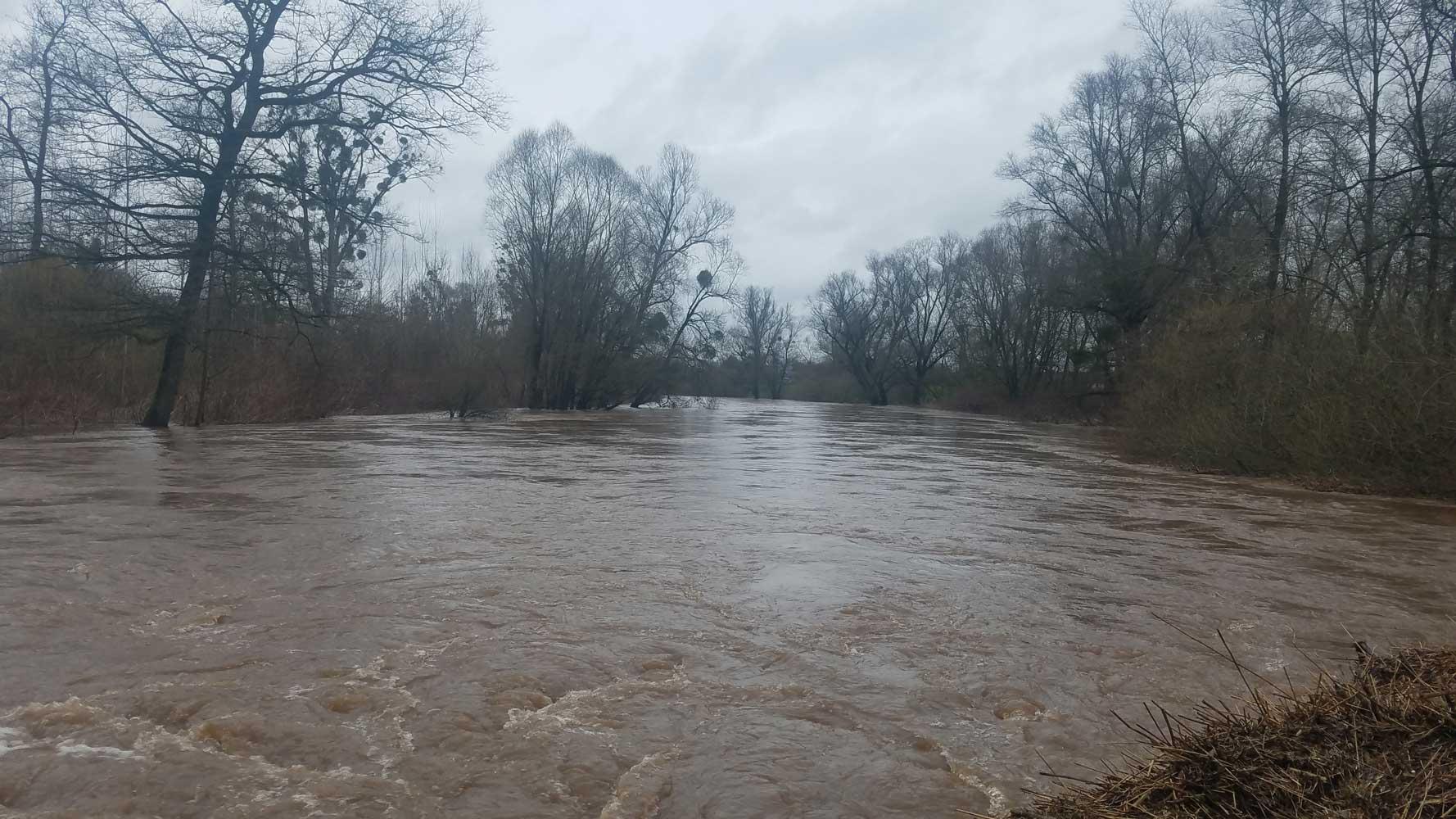Die Rench wird zum reißenden Fluss